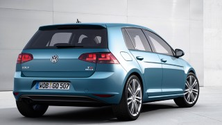 New Volkswagen Golf revealed