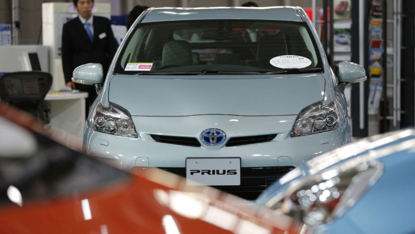 Toyota recalls 2.77 million cars