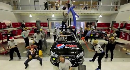 Insider Report: Racers get their Harlem Shake on