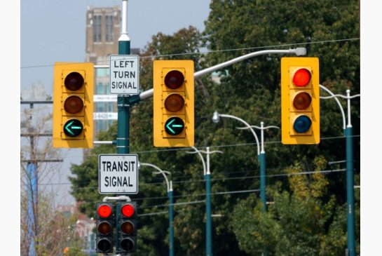 More Toronto traffic lights may soon be in sync