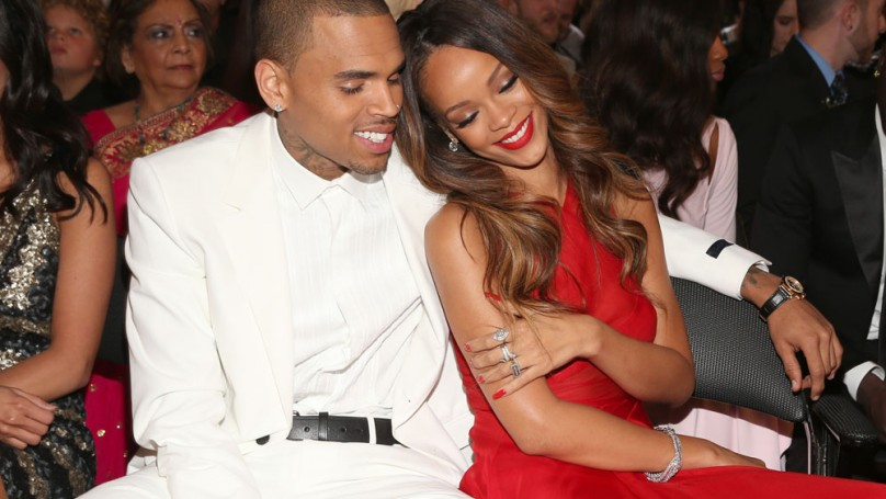 Rihanna buys Chris Brown a <br>$1 million Benz for his birthday