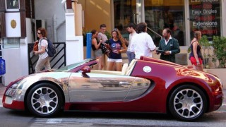 Video: Custom Bugatti 669 comes <i>this close</i> to disaster