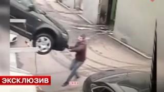 Insider Report: Audi worker forgets to set parking brake, almost dies
