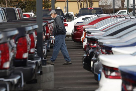 Chrysler, Honda,Toyota sales up in January, Ford falls from year ago
