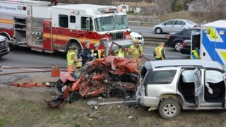 VIDEO: 'Airborne' SUV hits seven vehicles on 403, sending five to hospital