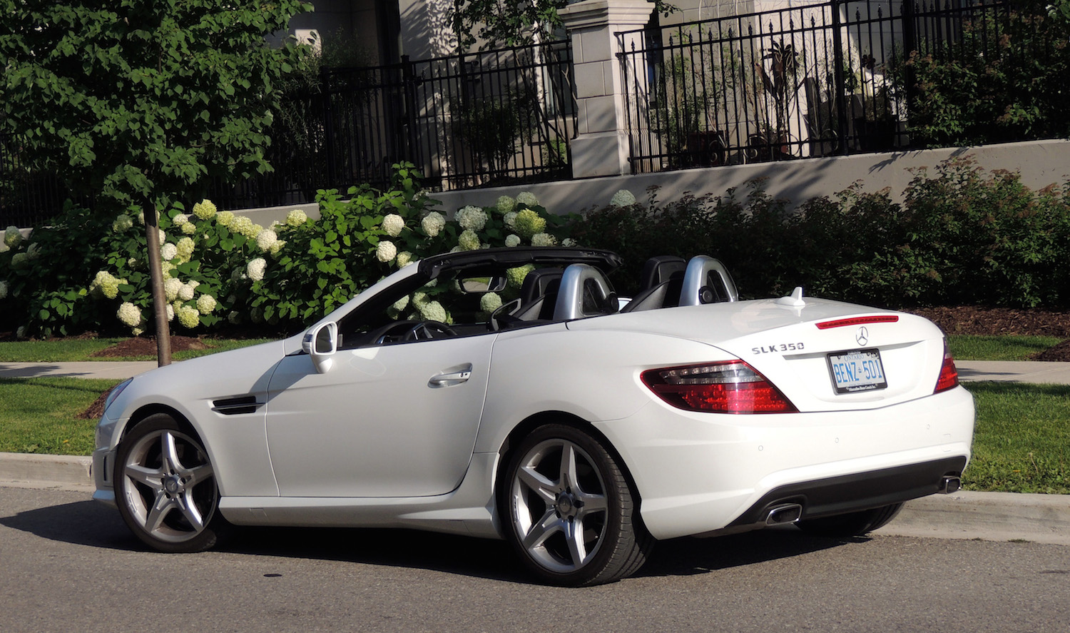 2014 mercedes benz slk 350 roadster and e 350 cabriolet review. Black Bedroom Furniture Sets. Home Design Ideas