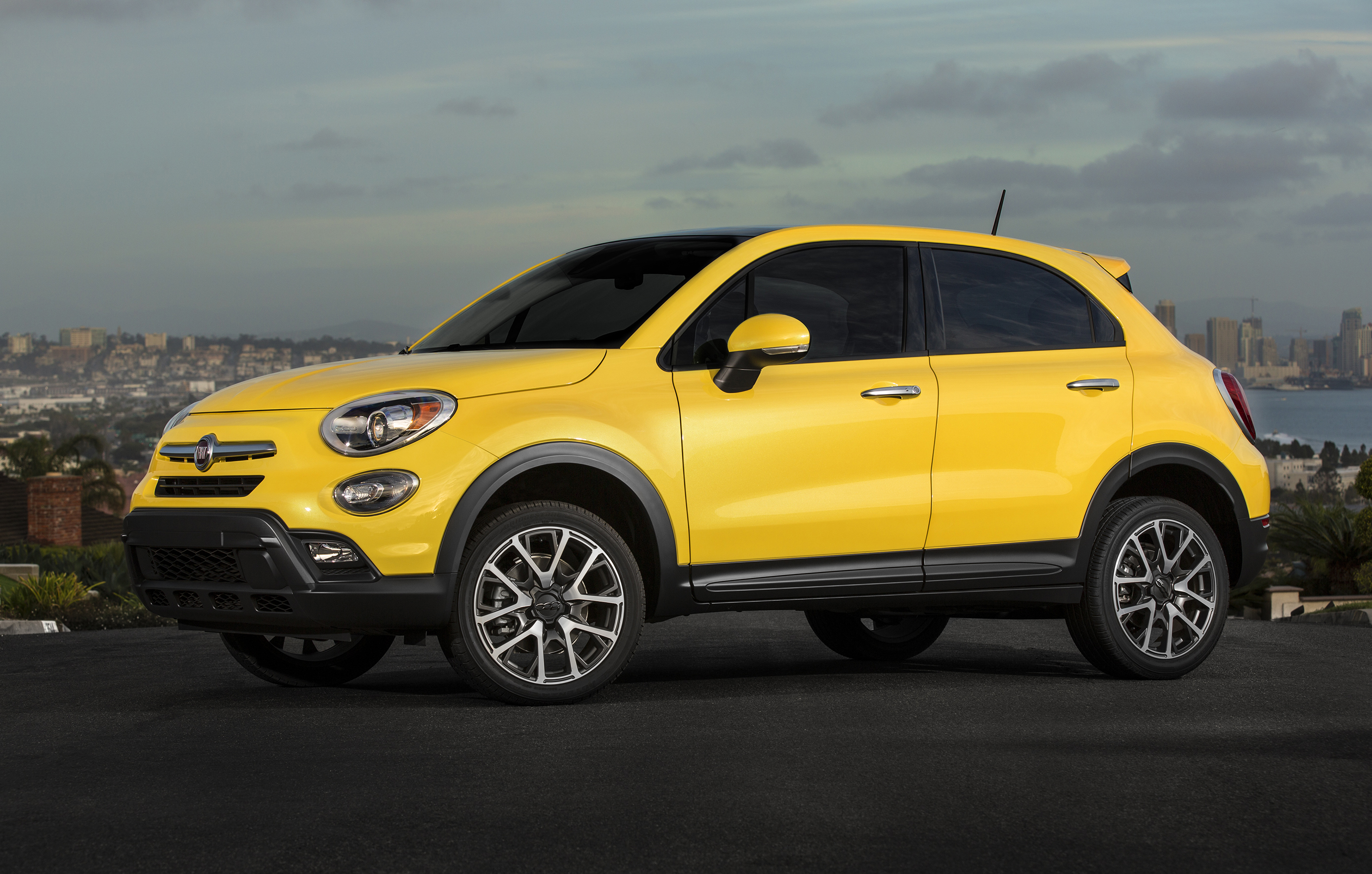 2016 fiat 500x canadian pricing announced. Black Bedroom Furniture Sets. Home Design Ideas