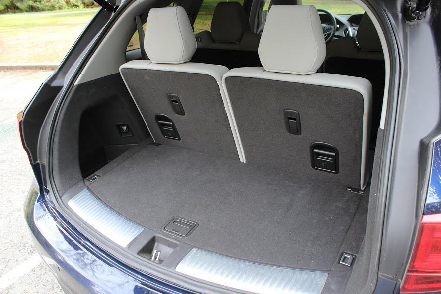 2015 Acura MDX Elite cargo