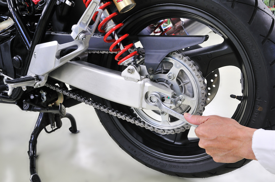 motorcycle tightening and chain