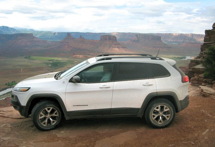 Jeep Cherokee Trailhawk exterior
