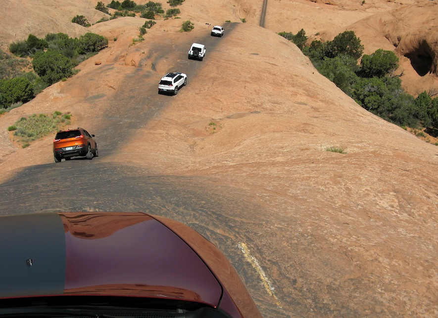 Jeep Cherokee Trailhawk descent