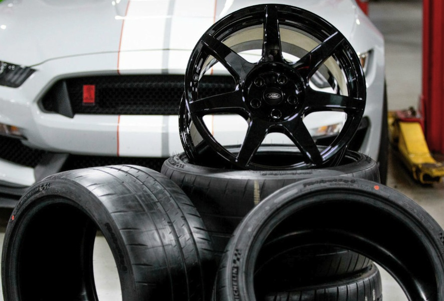 Shelby GT350T Mustang Fiber Wheels