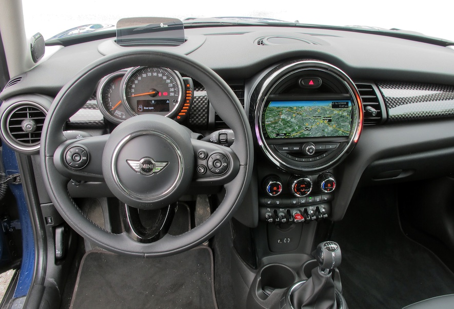 2015 Mini Cooper S front interior