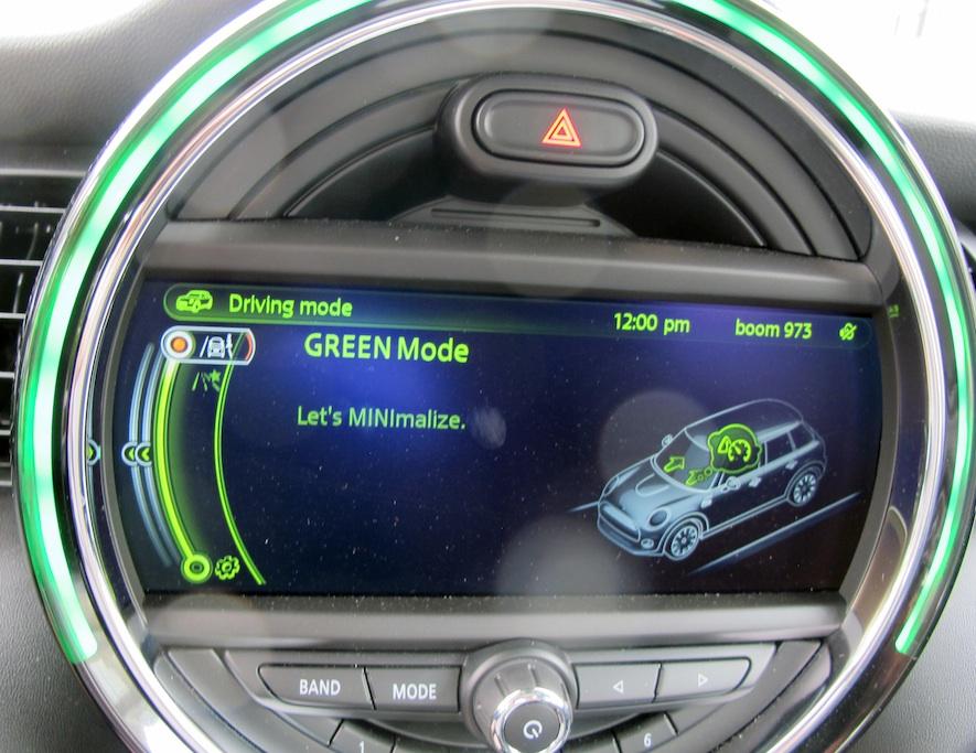 2015 Mini Cooper S front screen