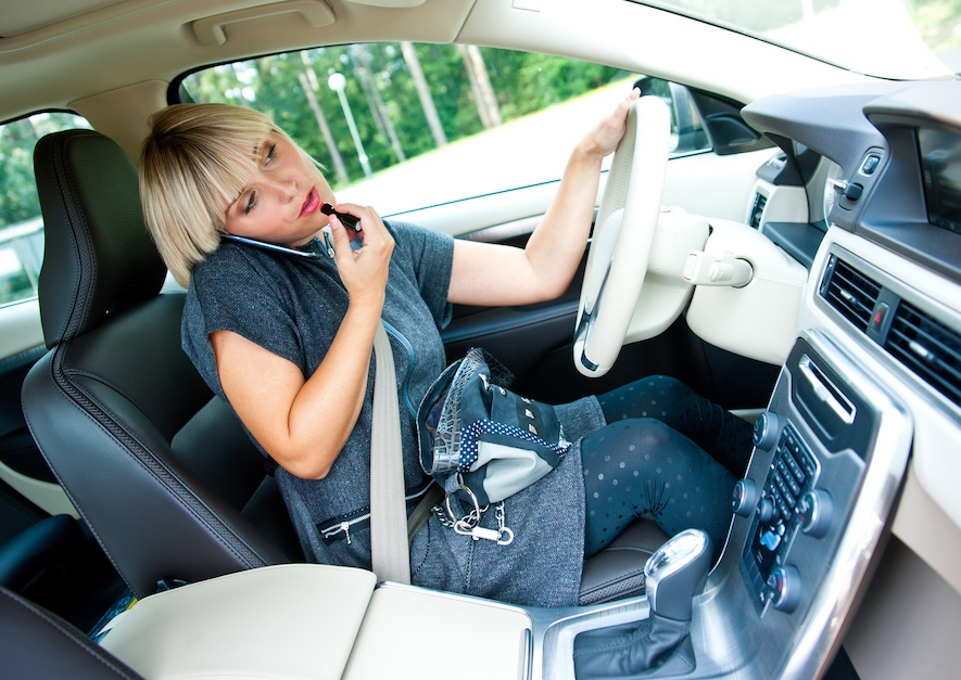 distracted driving is not permitted in Canadian laws