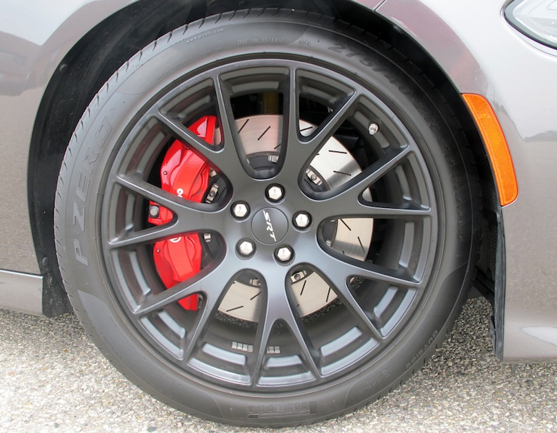 2015 Dodge Charger SRT Hellcat Review – WHEELS.ca