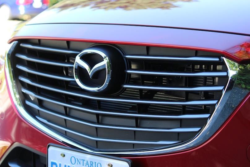 2016 Mazda CX-3 front grills