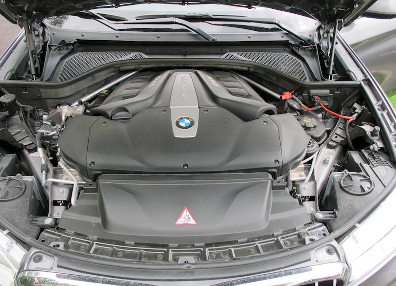 2015 BMW X6 xDrive50i engine
