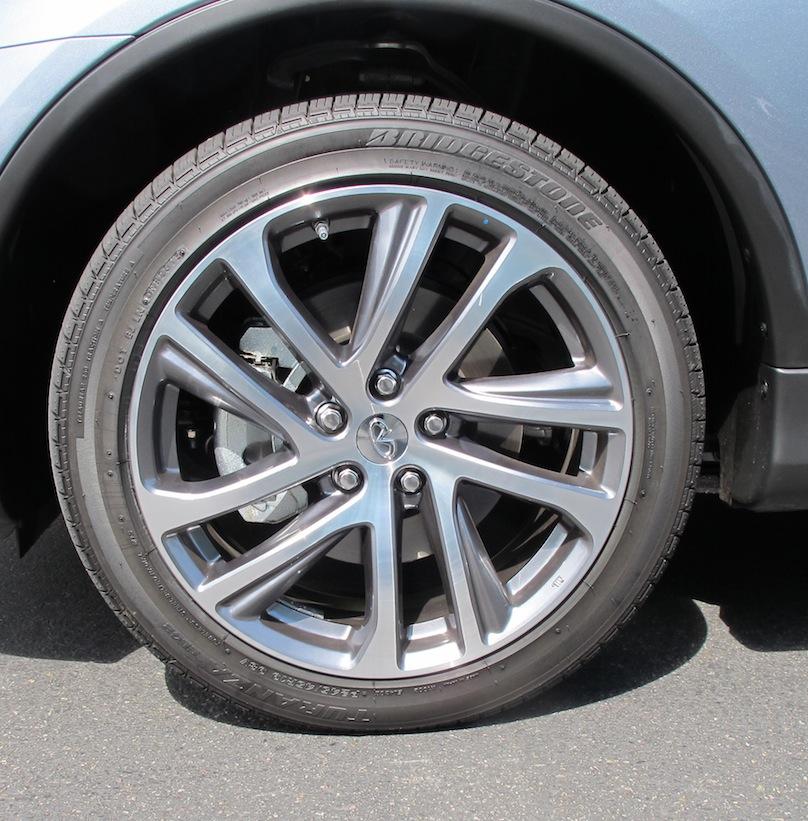 2016 Infiniti QX50 wheel