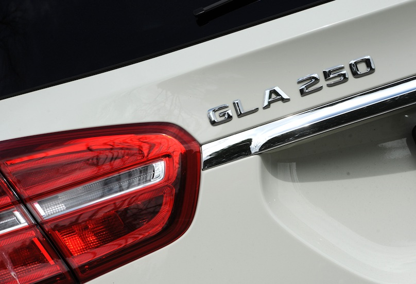 2015 Mercedes-Benz GLA 250 badge