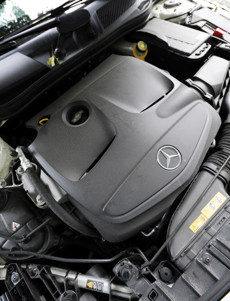 2015 Mercedes-Benz GLA 250 engine