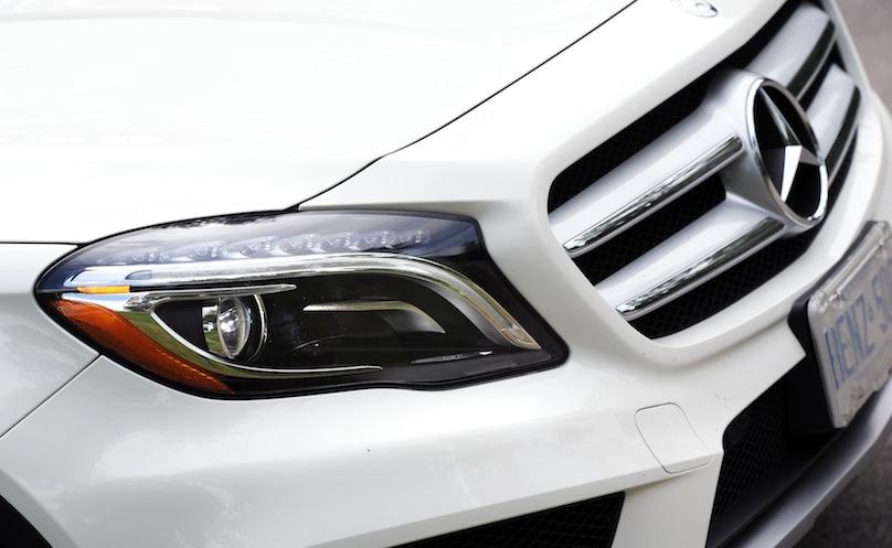 2015 Mercedes-Benz GLA 250 front details