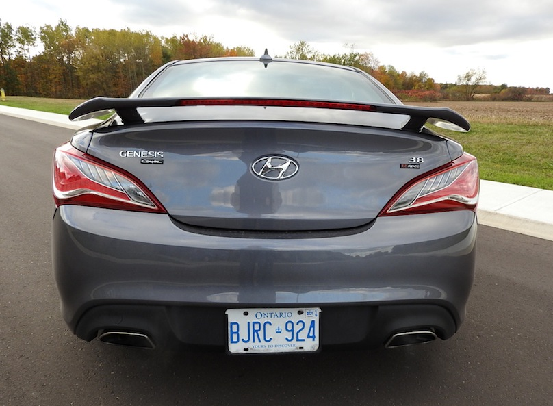 2015 Hyundai Genesis Coupe R-Spec rear 1