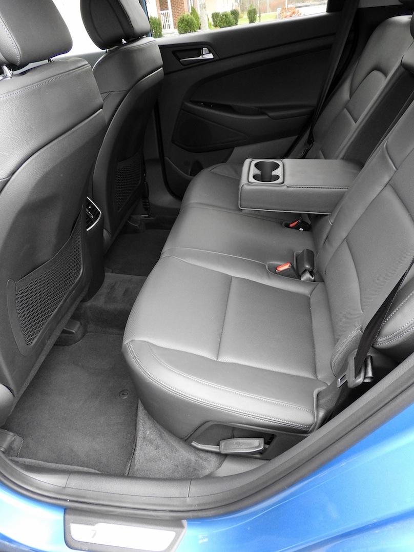 2016 Hyundai Tucson backseat