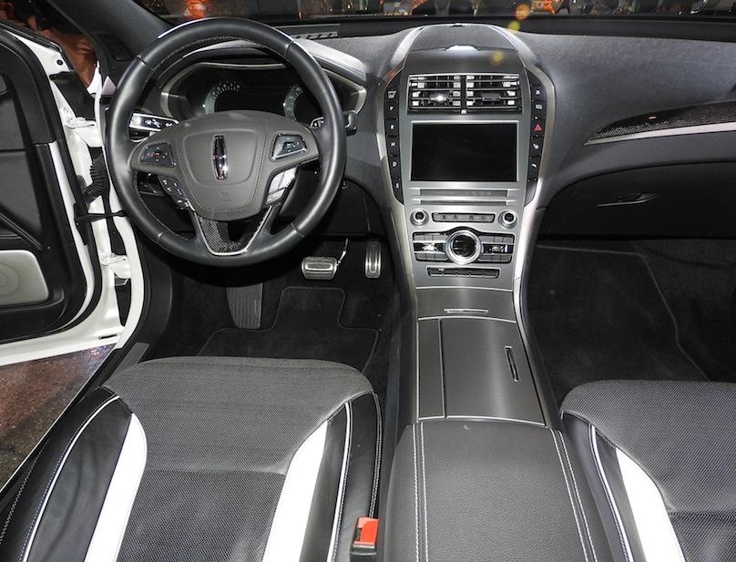 http://wheelsca.s3.amazonaws.com/wp-content/uploads/2015/11/Lincoln-MKZ-interior.jpg