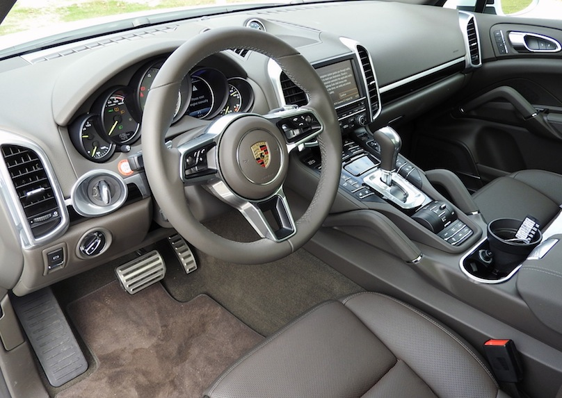 2016 Porsche Cayenne S E-Hybrid interior