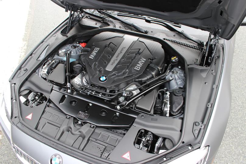 650i V8