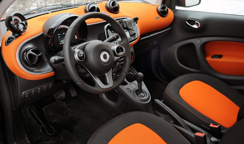 the smart fortwo smartens up. Black Bedroom Furniture Sets. Home Design Ideas