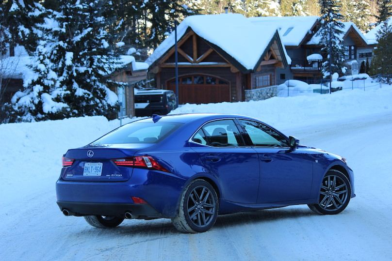 2016 lexus is 350 f sport awd vote of snow confidence. Black Bedroom Furniture Sets. Home Design Ideas