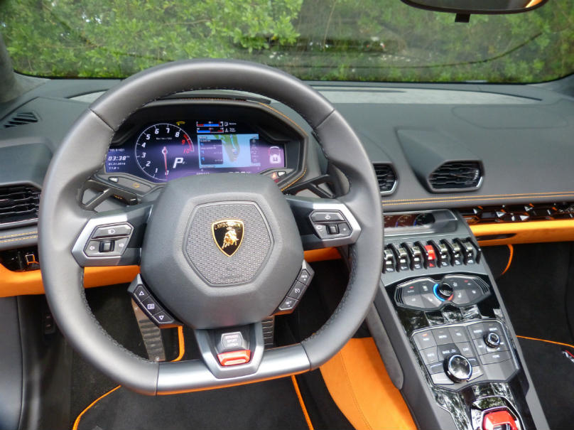 preview lamborghini huracan spyder built to be seen and heard. Black Bedroom Furniture Sets. Home Design Ideas