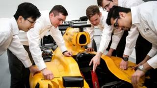 Infiniti F1 seeks young engineeers
