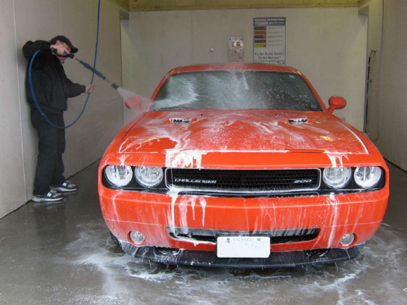 Diy garage how to clean your car this spring wheels dry the car with microfibre towels and examine it carefully for stone chips which can potentially turn into rust bubbles if they arent touched up solutioingenieria Gallery