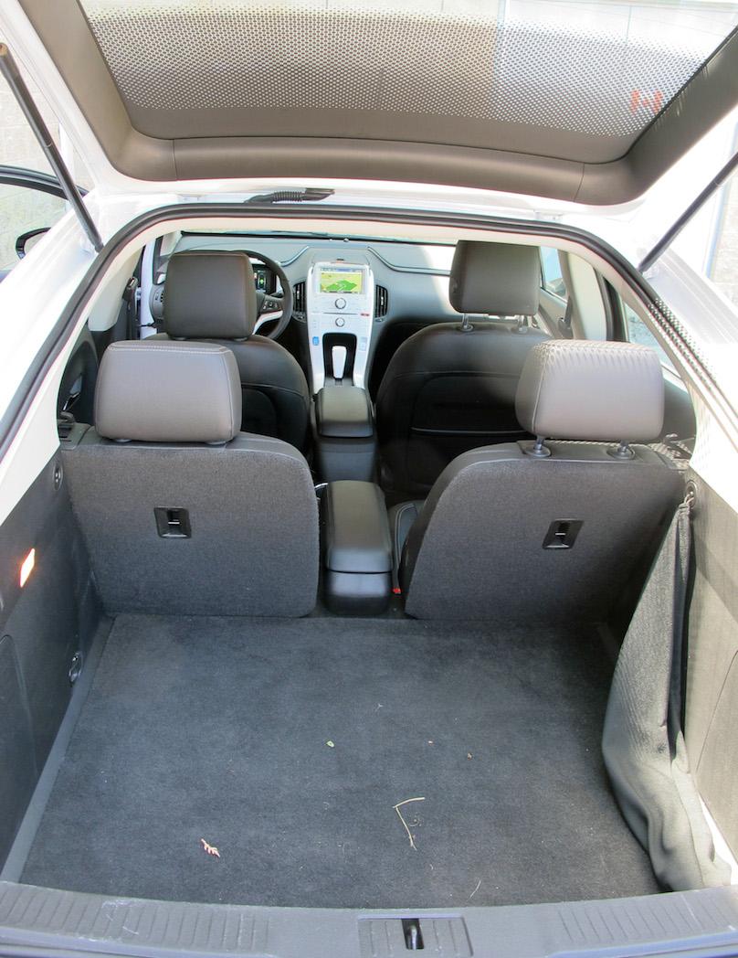 2015 Chevrolet Volt cargo area
