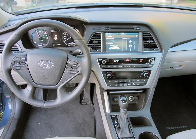2016 Hyundai Sonata hybrid intrior