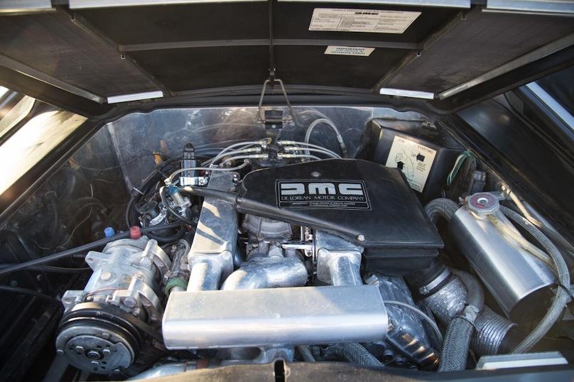 DeLorean engine