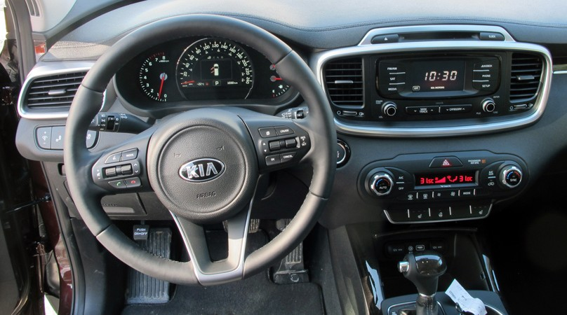 2016 kia sorento brimming with features. Black Bedroom Furniture Sets. Home Design Ideas