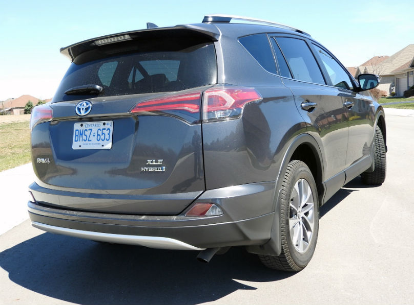 toyota brings a hybrid to the rav4 lineup. Black Bedroom Furniture Sets. Home Design Ideas