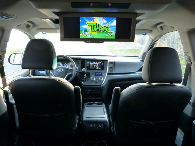 road trip toyota sienna not a van to strike out. Black Bedroom Furniture Sets. Home Design Ideas